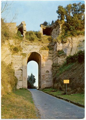 Arco Italy  City pictures : ... Postcards > non U.S. > Italy > ITALY Pozzuoli Cumae Arco Felice Arch